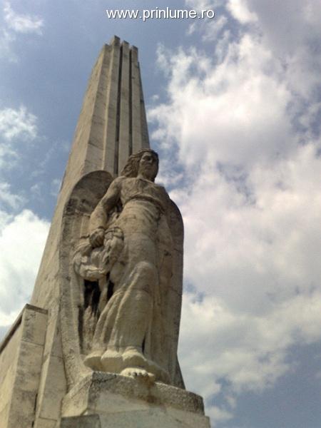 Horea, Closca si Crisan - monument